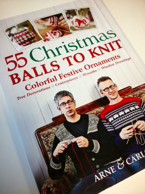 55christmasballsbook