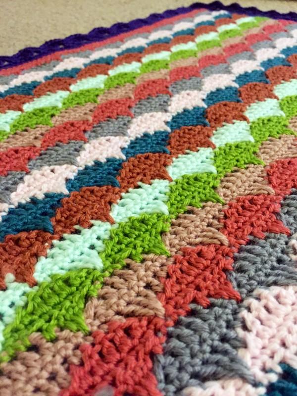crochet clamshell blanket close-up
